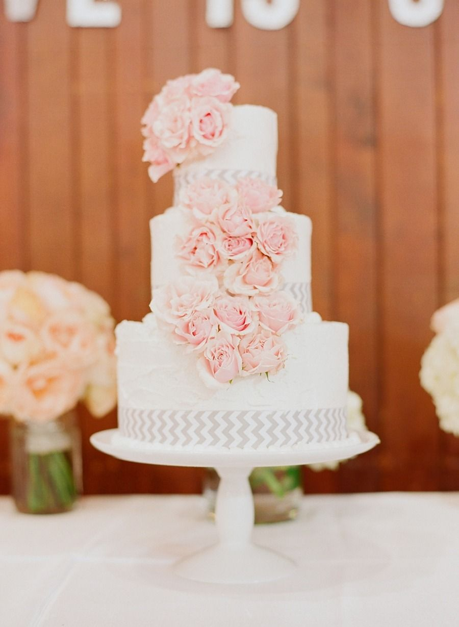 Wedding Cake | On SMP -- http://www.StyleMePretty.com/2013/11/20/a-maryland-estate-wedding-from-jodi-miller-photography/ Jodi Miller Photography