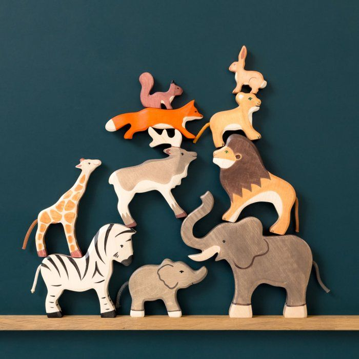 Animaux en bois : Zèbre, lion, lionceau, écureuil, éléphant, renard, girafon, renne, lapin, éléphanteau