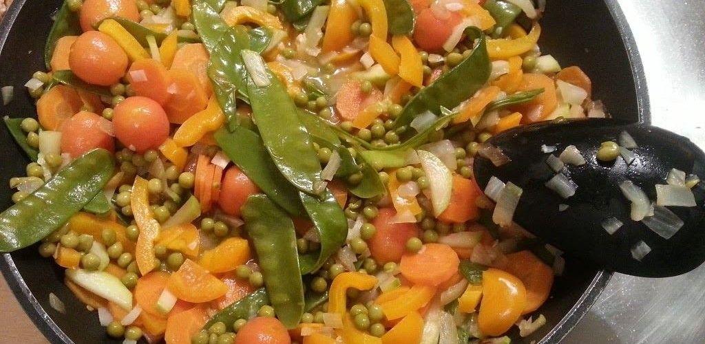 Reispfanne mit Gemüse und Hühnchen - Trial and Error