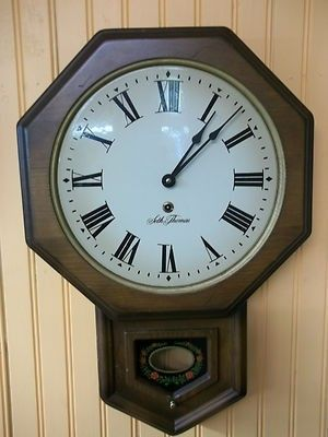 Seth Thomas School House Wall clock in good condition There is a