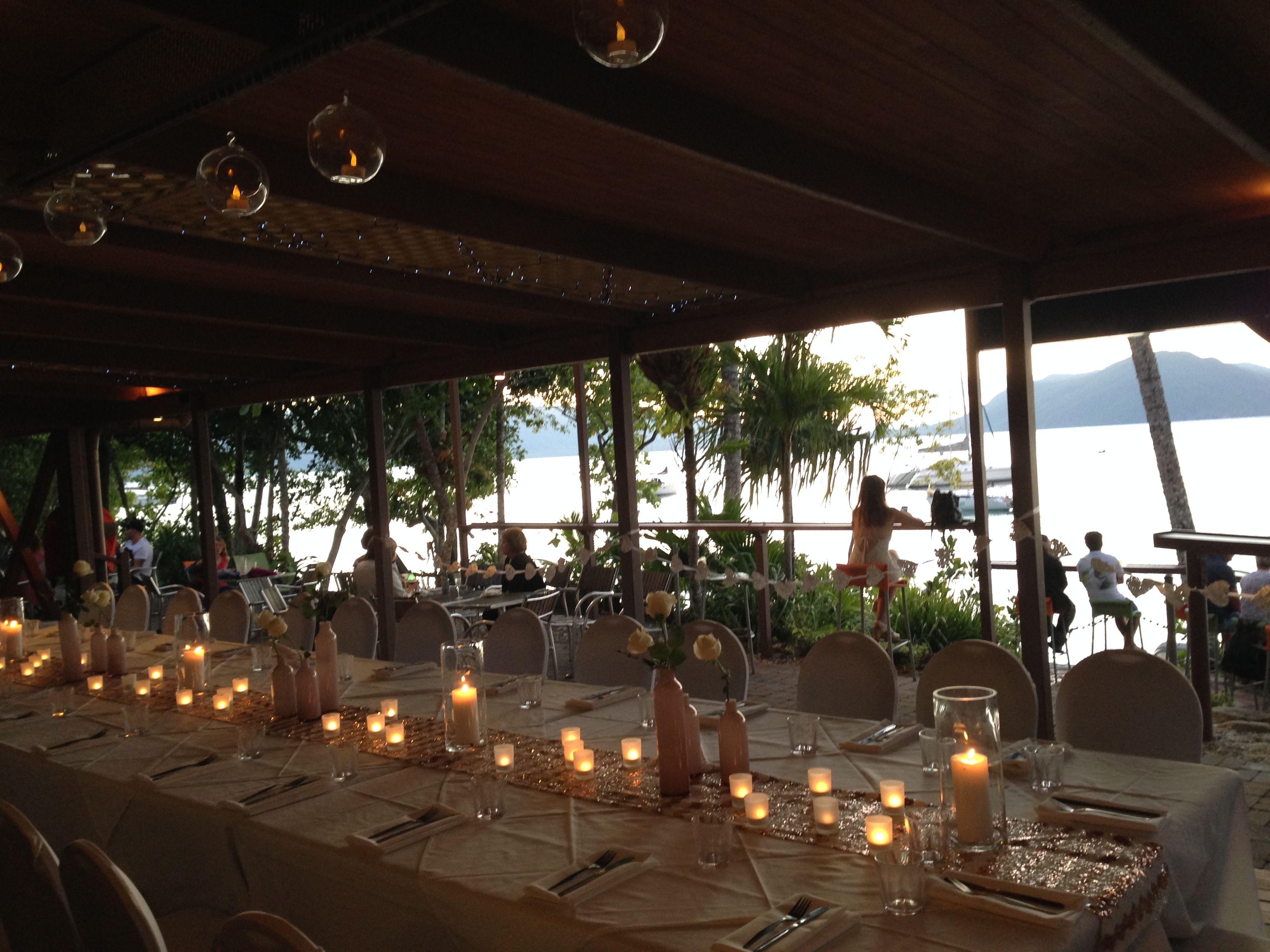foxy u0027s bar u0026 grill fitzroy island destination wedding beach