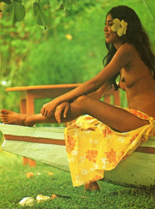 nudity Polynesian native