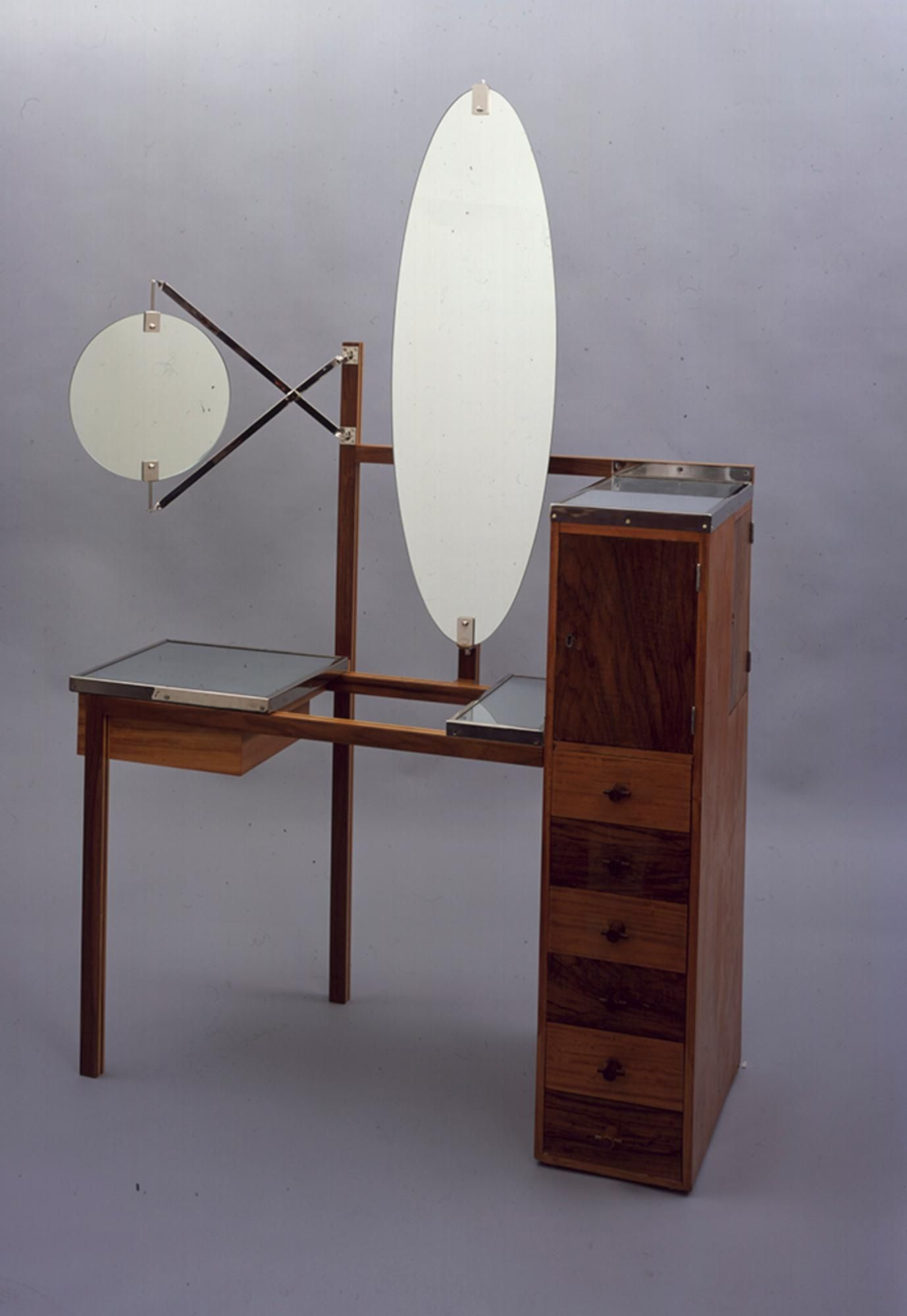 Bauhaus pendant lamp marianne brandt and hans przyrembel 1925 - The School Of Bauhaus Lady S Dressing Table From The Haus Am Horn 1923