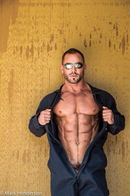 Hot men videos blog