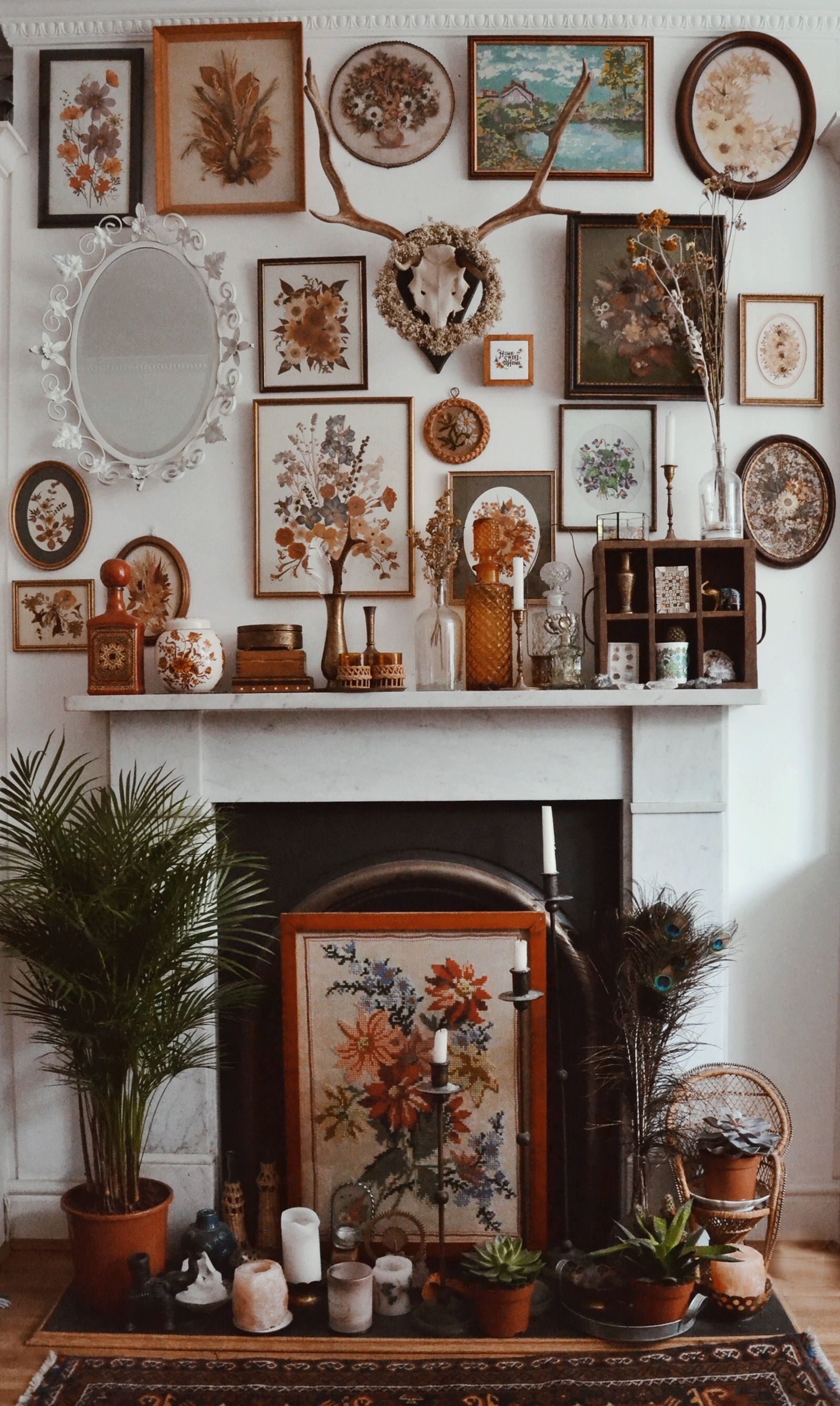 Eclectic frames make for a totally beautiful fireplace hippy homes