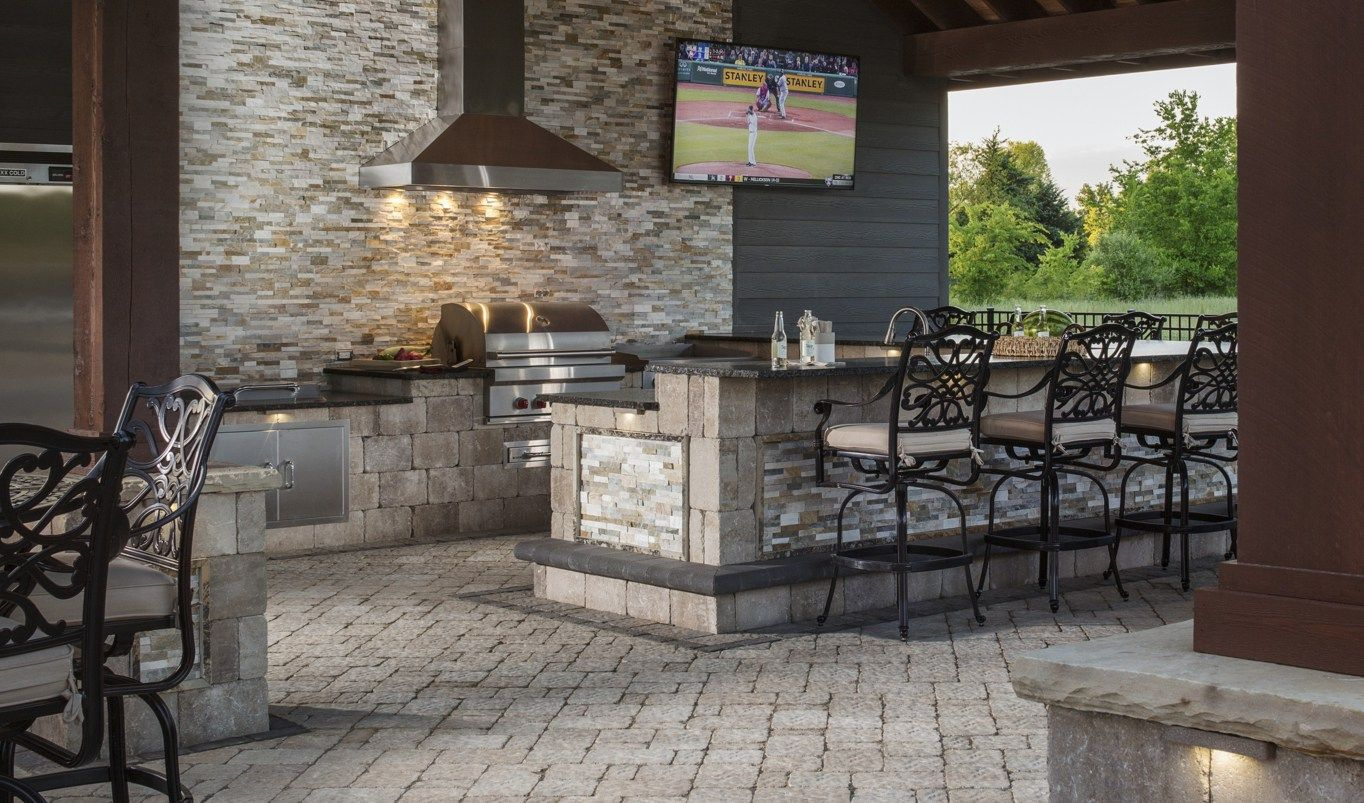 find out what s cooking in the latest outdoor kitchen design trends outdoor kitchen plans on outdoor kitchen plans layout id=99525