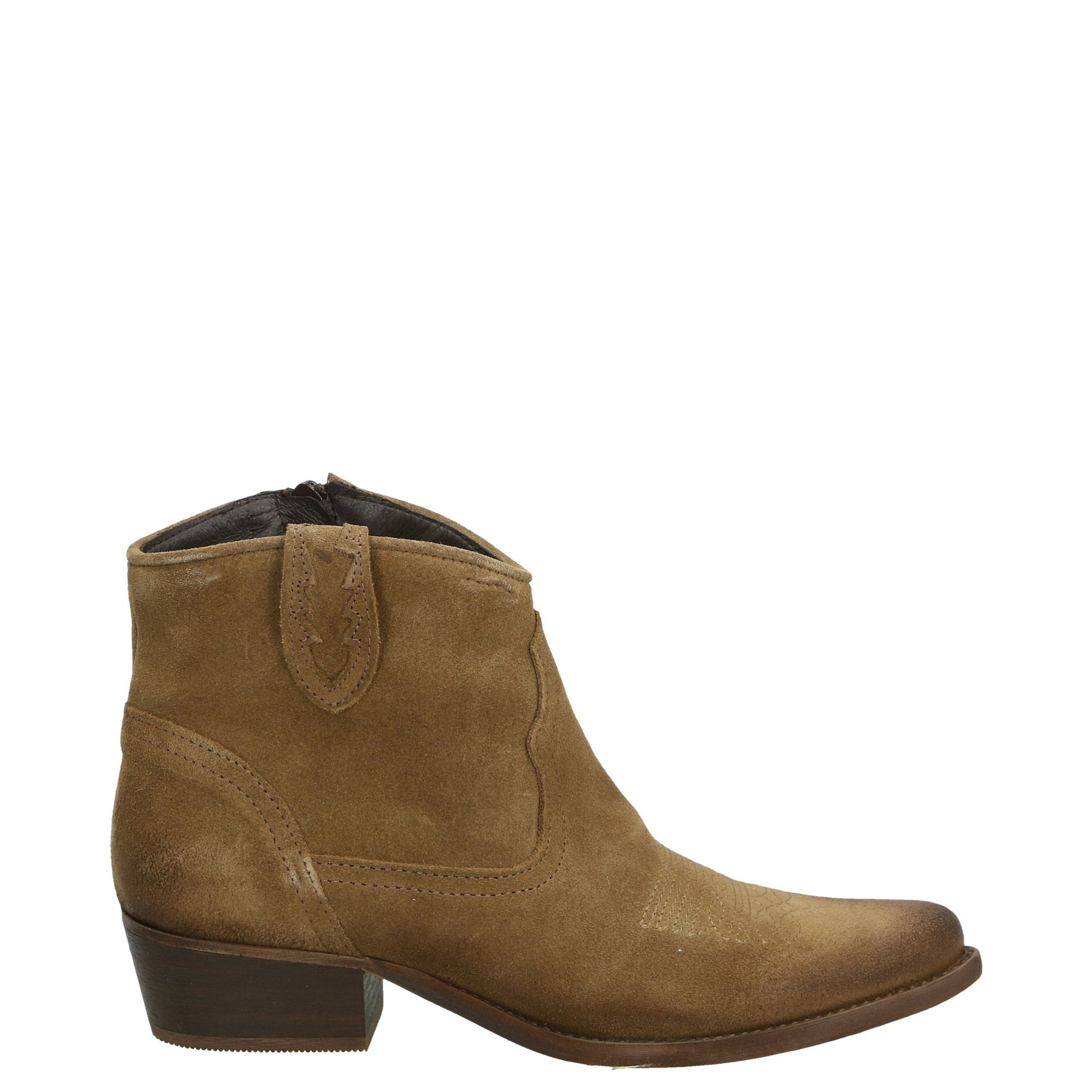 Pin By Gosik P On Do Kupienia Boots Shoes Ankle Boot