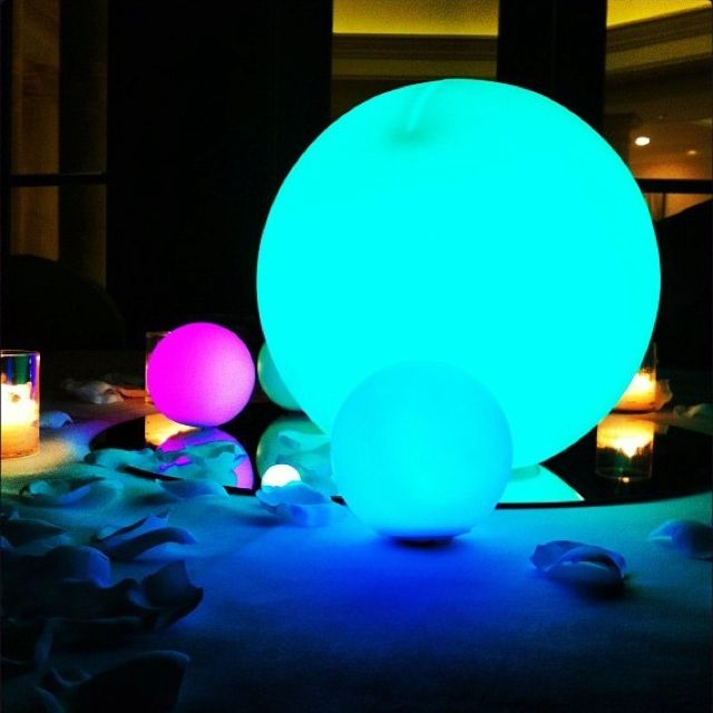 Here 39 s the glowing ball things on a table not sure if i for Glow in the dark centerpiece ideas