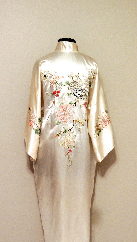 7b80850146 vintage silk kimono - 1920s-30s Silver Osmanthus white silk embroidered  Japanese kimono robe by mkmack on Etsy