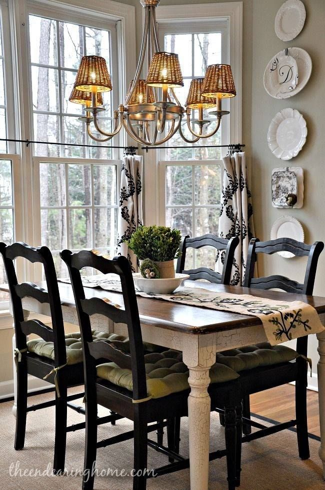 here is a small dining room - Country Dining Room Design