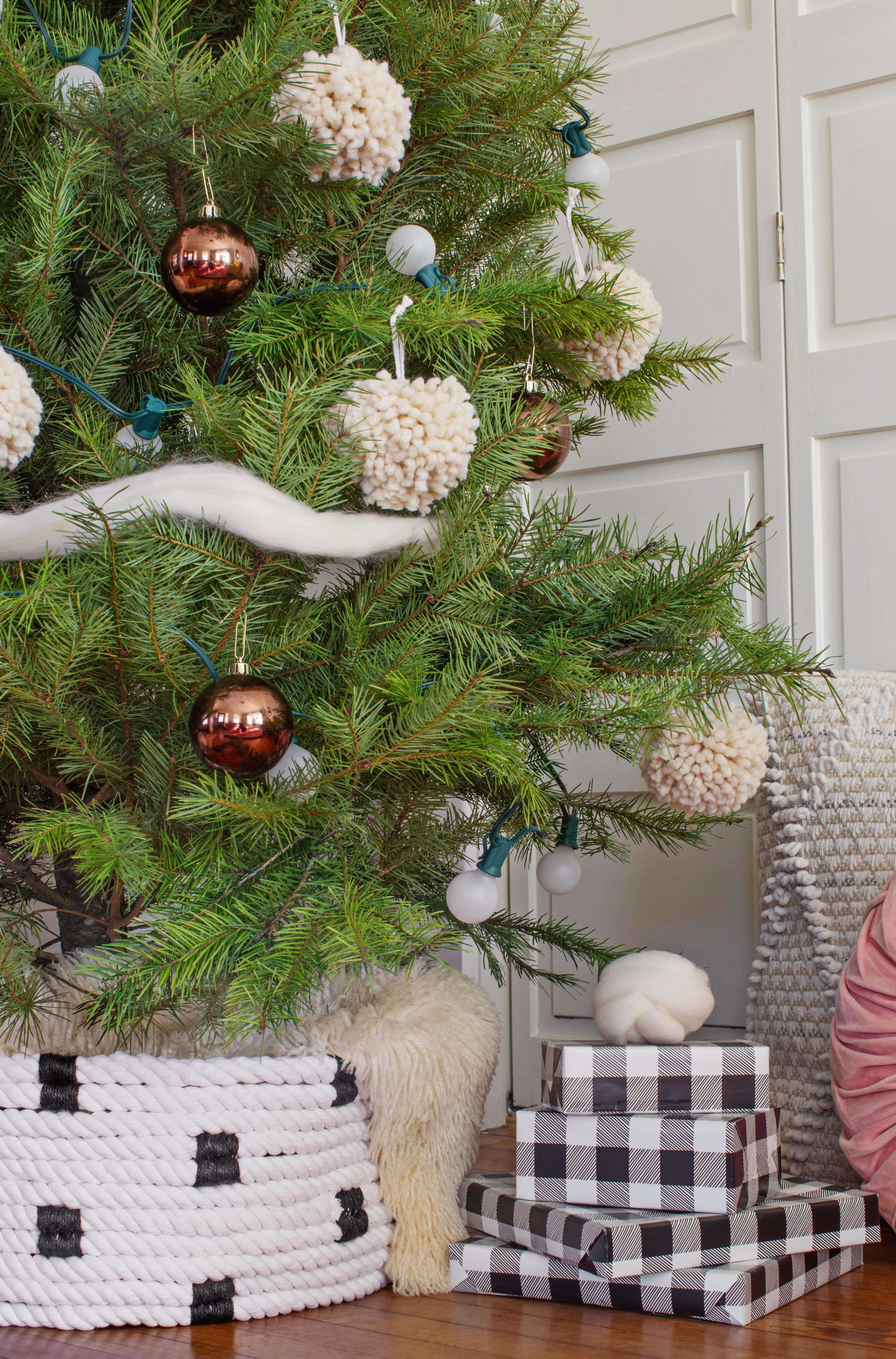 Rope Christmas Tree Collar DIY (With images) Tree collar