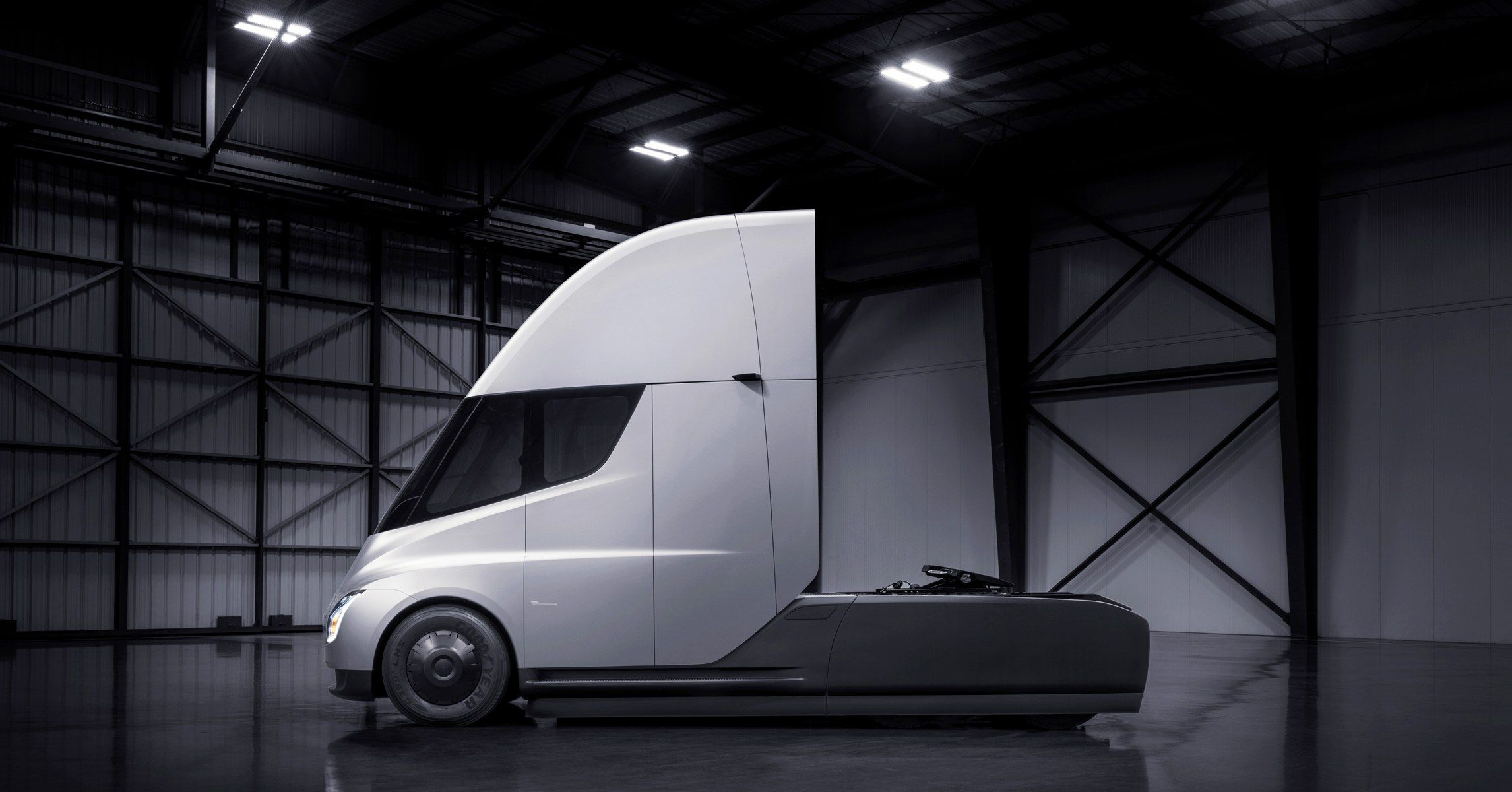Elon Musk Has Unveiled Tesla S All Electric Semitruck Semi Trucks Tesla Tesla Semi Truck