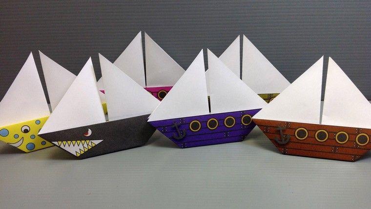 Faire Un Bateau En Papier Origami Diy Activite Manuelle Enfant Guirlande Origami Origami Sailboat Origami Easy Kids Origami