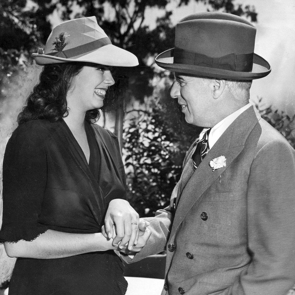 Charlie Chaplin y su esposa Oona O'Neill