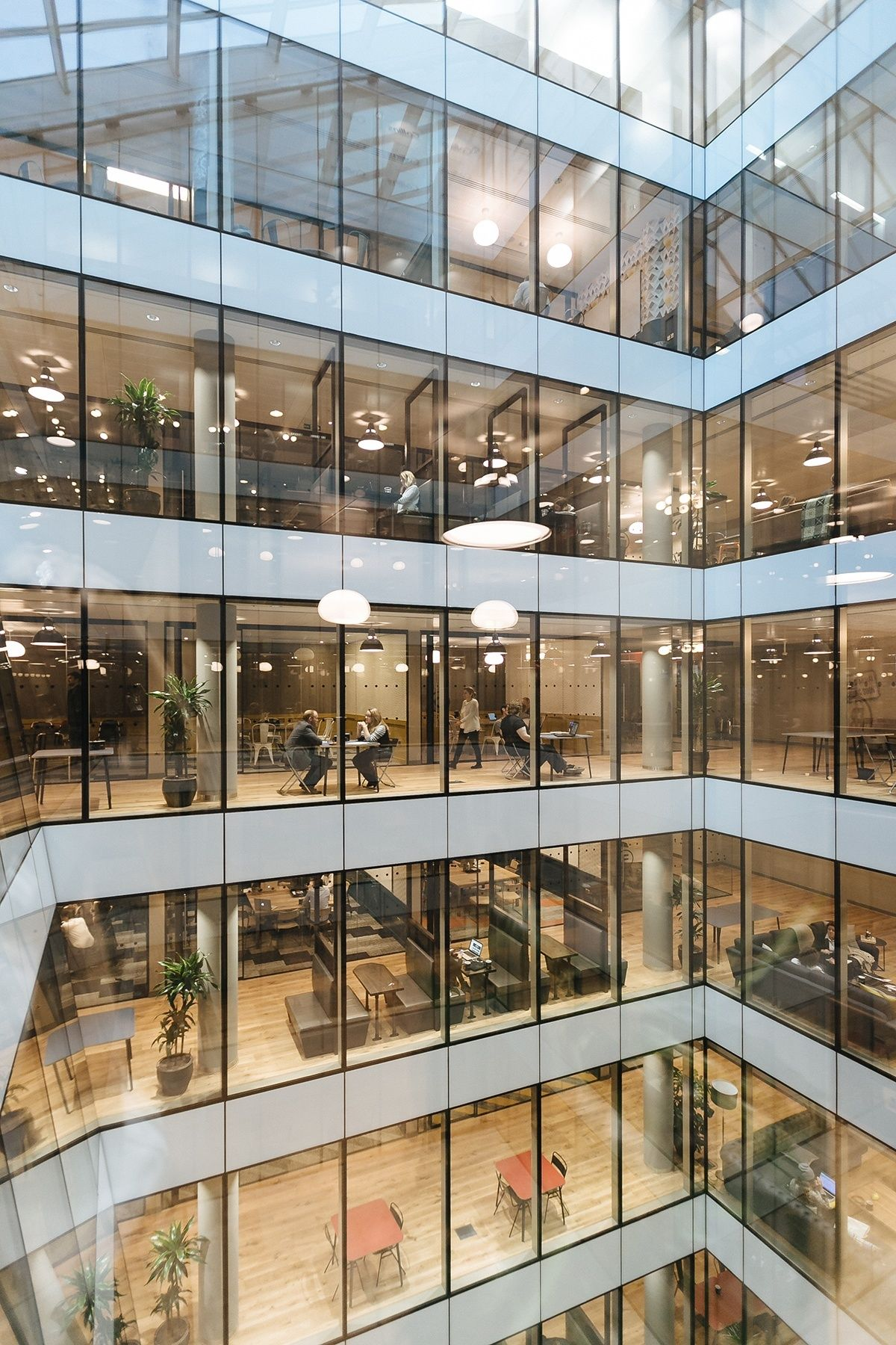 An Exclusive Tour Of Wework Moorgate Office Space Design Coworking Space Design Coworking
