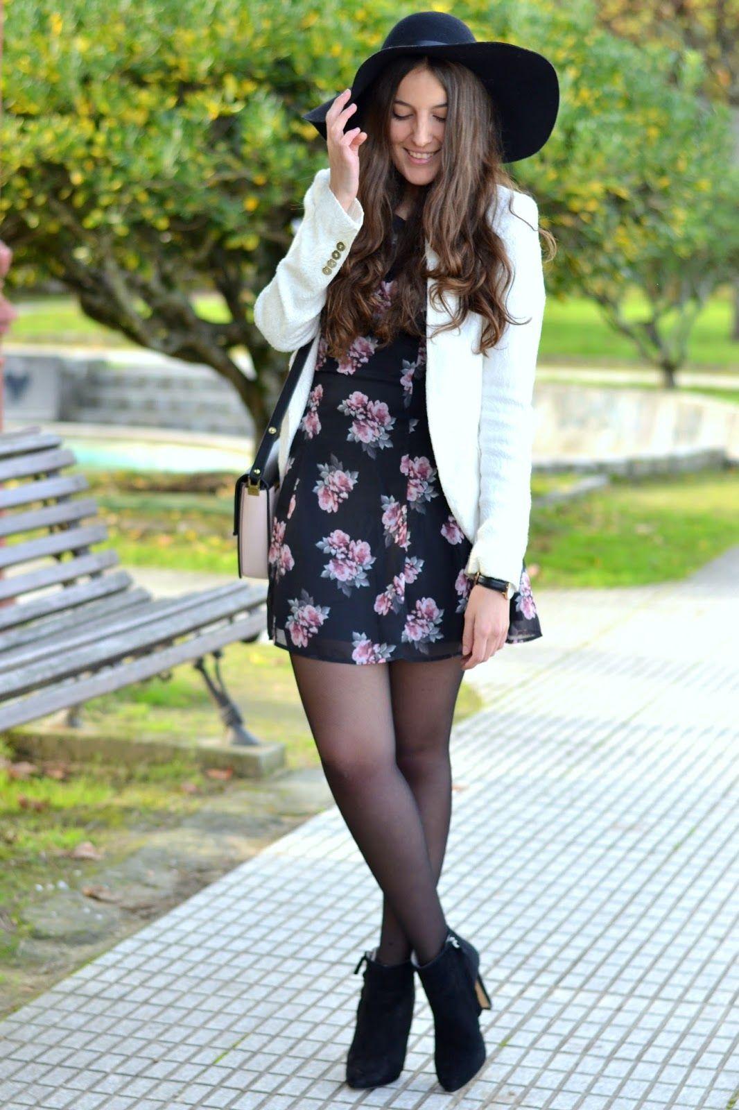 Outfit vestido negro con flores