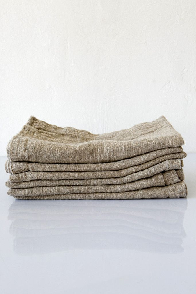 Linum Cuscini.Linum Washed Linen Taupe Napkin Lost Found Linen Pillows