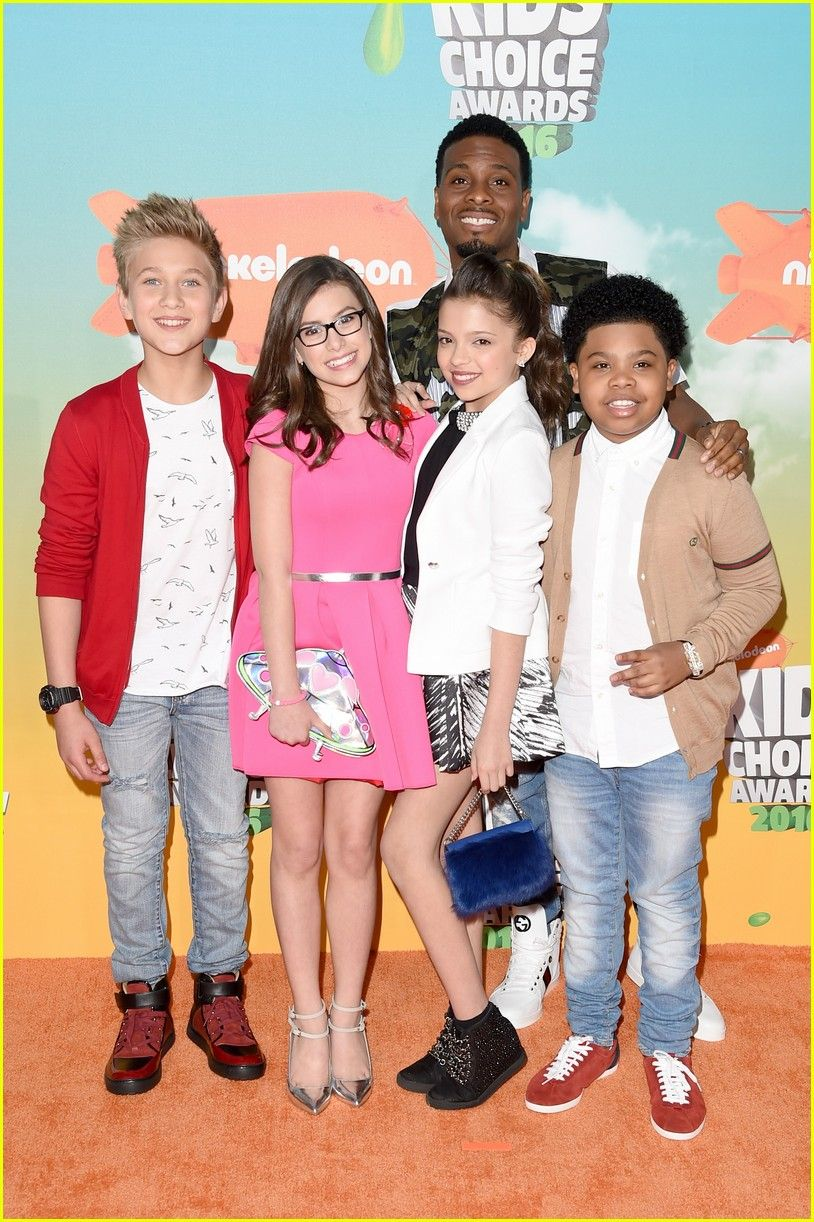 Game Shakers Cast Tackles A Real Life Video Game At Kids Choice Awards 2016 Game Shakers Kel Mitche Real Life Video Original Mickey Mouse Club Kids Fashion