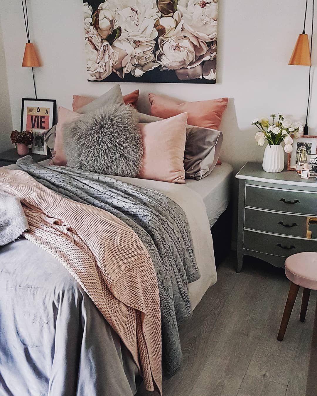 Blush Pink And Grey Bedroom With Copper Accessories Ourchichome Small Bedroom Decor Small Bedroom Bedroom Decor