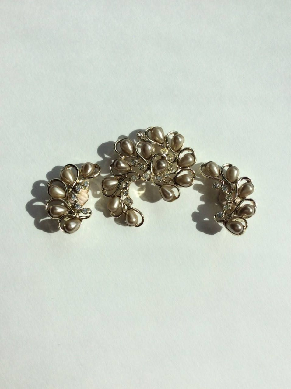 Vintage Sara Conventry bronze tone faux pearl crystal climbers  Goldtone Earrings Signed-Honey Bunch