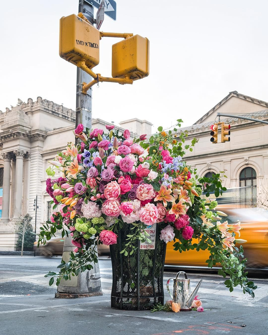 Floral Artist Lewis Miller Is Known For His Flower Flashes And Transformed Nyc S Last Phone Booth Into A Be Pretty Flowers Beautiful Flowers Flower Aesthetic