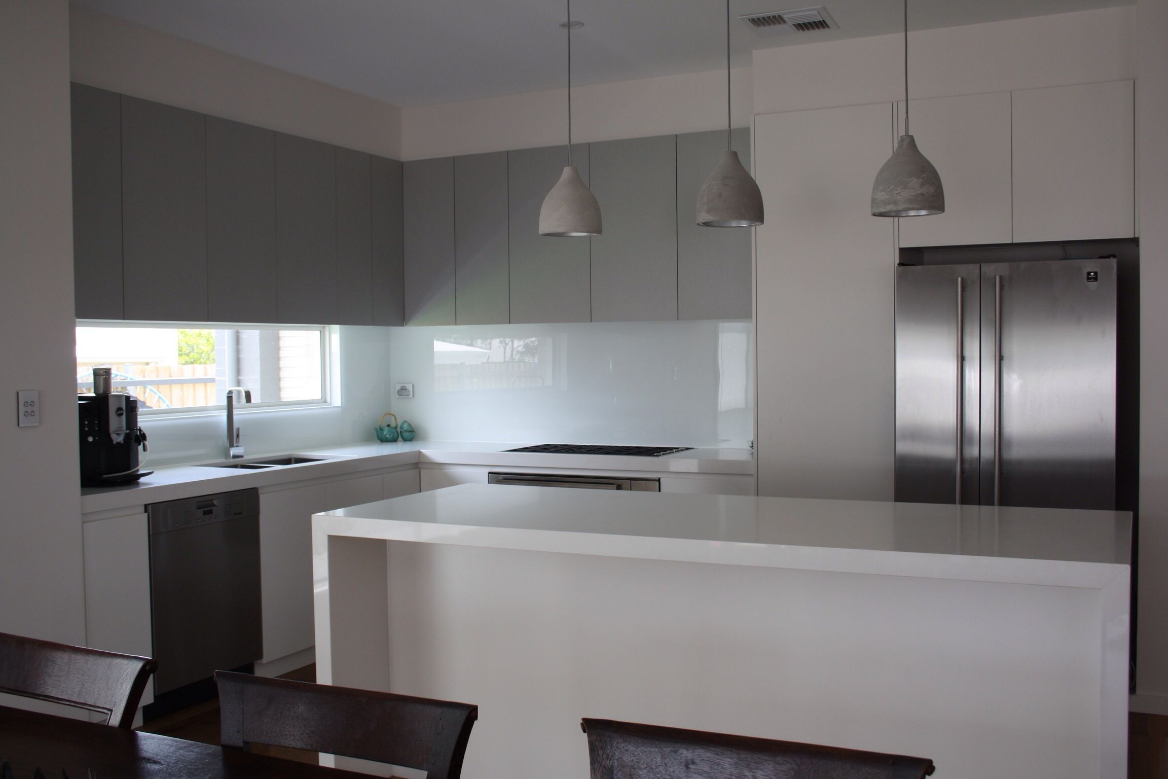 Kitchen L Shaped Kitchen With Island Grey And White Stone