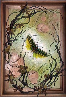 Рукотворные бабочки из природных материалов