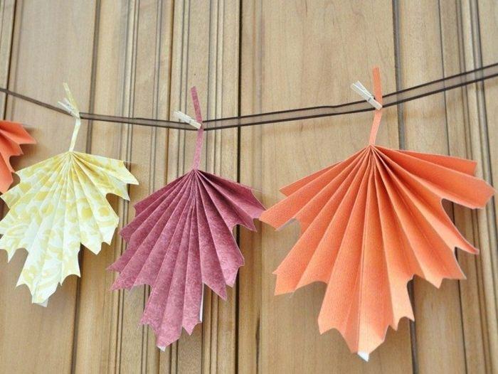 Herbstdeko basteln aus papier  Herbstbasteln mit Kindern papier bunt | Création | Pinterest ...