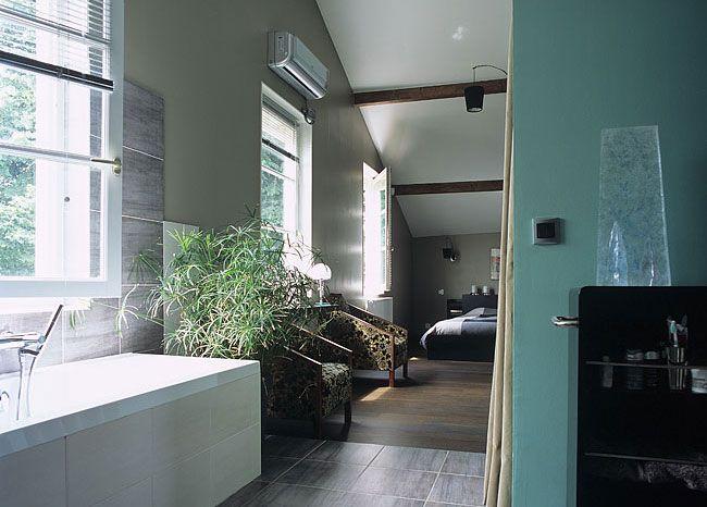 salle de bain ouverte sur une chambre projet maison. Black Bedroom Furniture Sets. Home Design Ideas