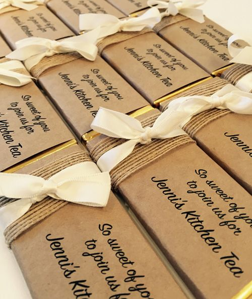 Impress Your Guests At Next Special Occasion With Favour Perfect S Gorgeous Rustic Design Personalised Chocolate Bar Favours