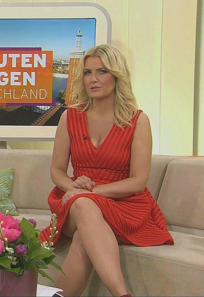 Pin von Dirk Bollmann auf Fernsehfrauen in Pantyhose | In