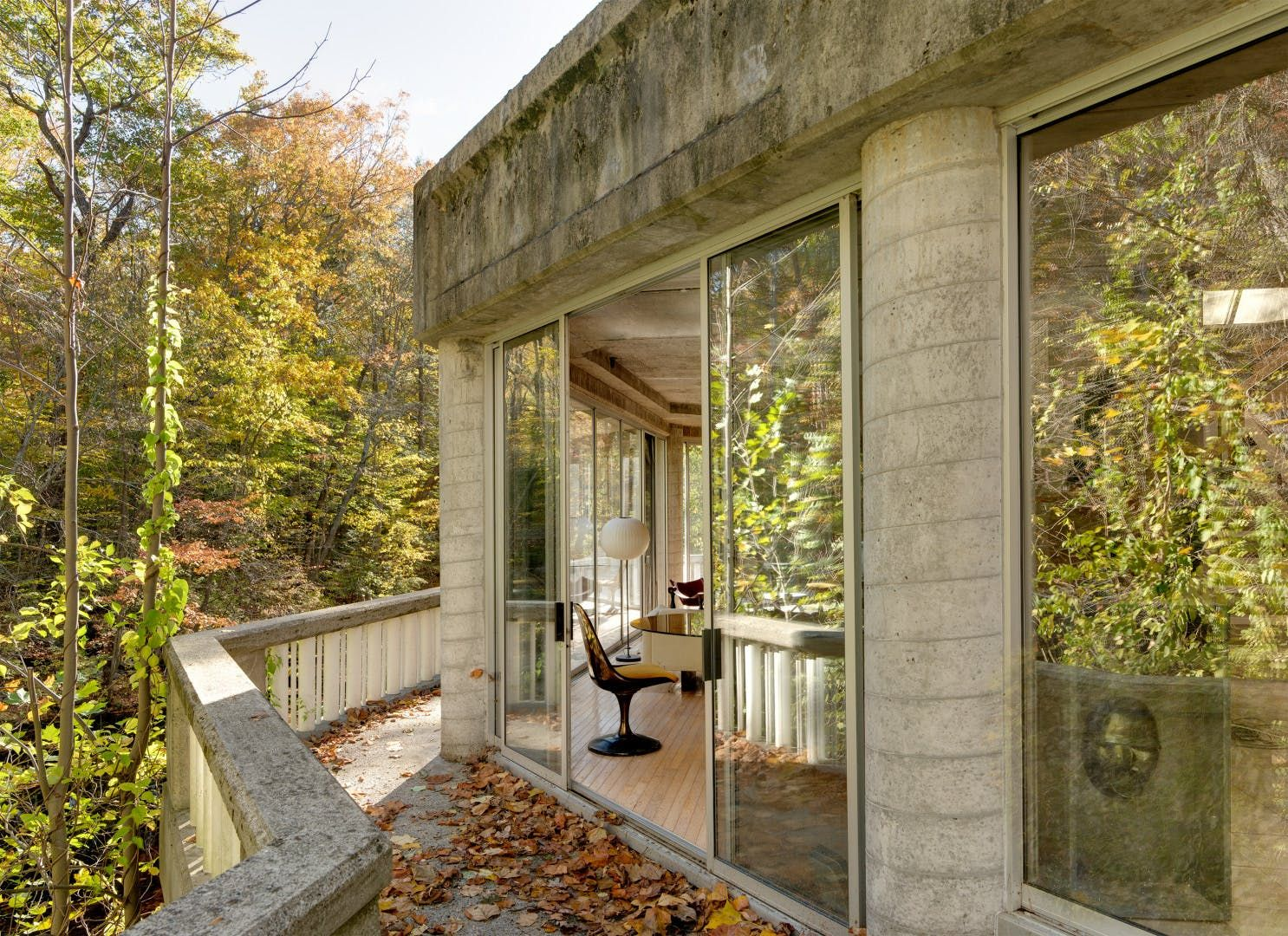 You Enter This Architect's Modernist Glass & Concrete Home
