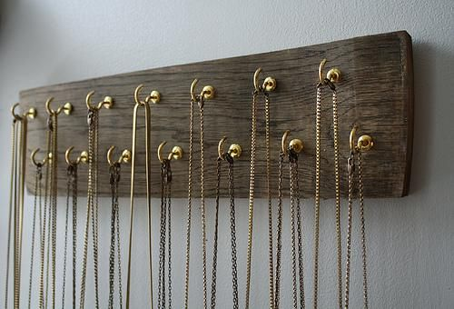 Diy Necklace Display Easy To Do On A Plank Of Wood Spaced Out Diy Jewelrydisplay Diy Necklace Display Diy Jewelry Hanger Wood Jewelry Display