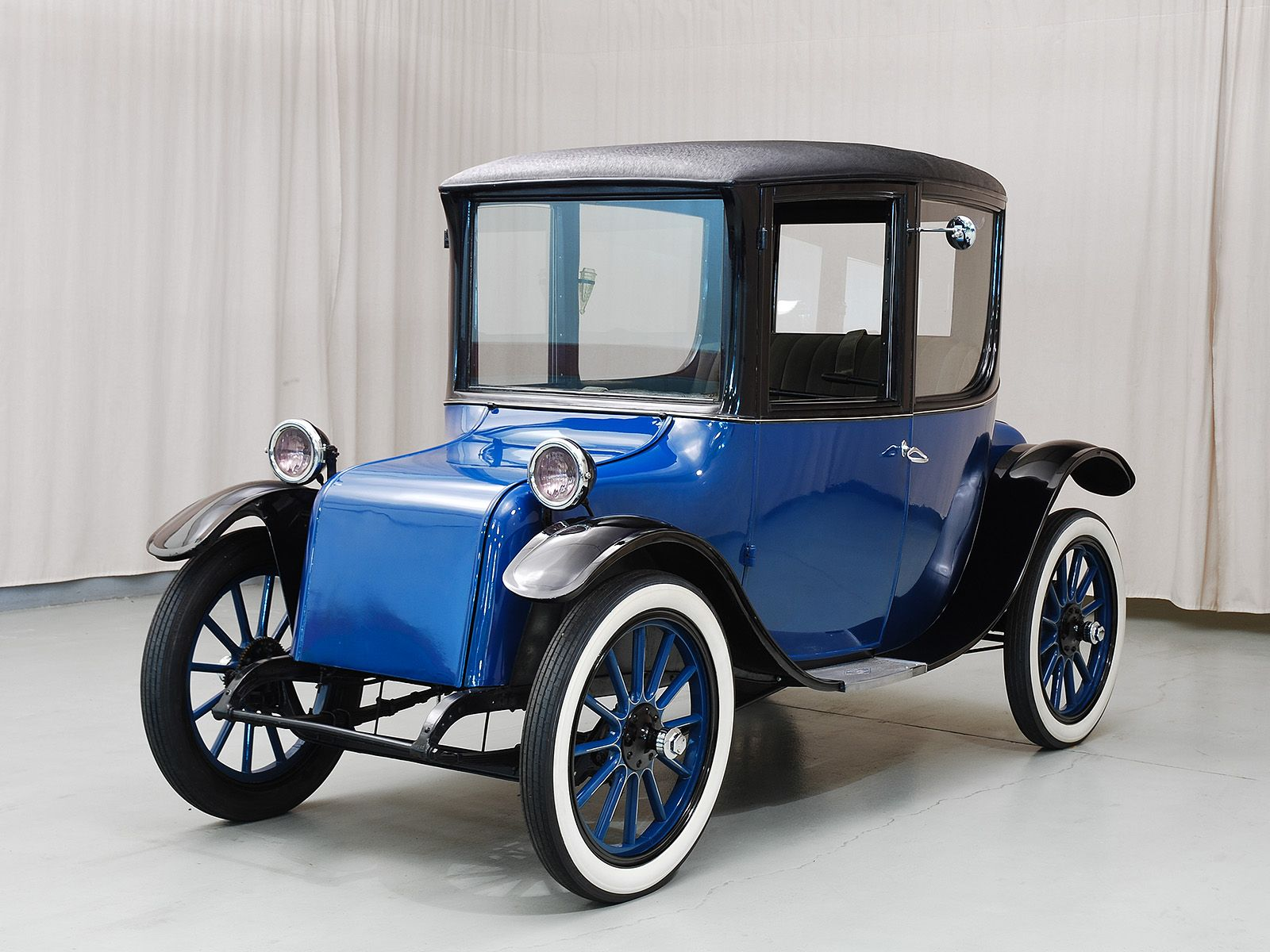 1916 Milburn Electric Coupe Electric Cars Electric Car Classic Cars