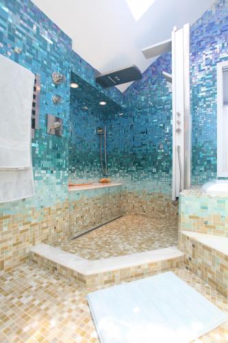 Shower Mosaic Tile Bottom Underwater Theme Ideas Amazing Bathrooms Dream Bathrooms Dream House
