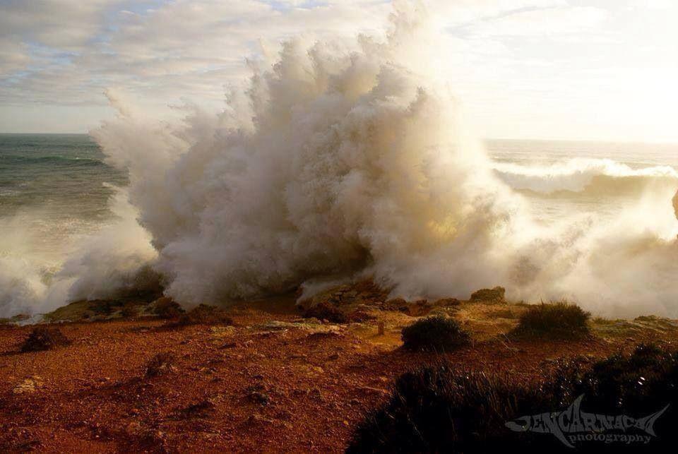 Inverno 2014, o mar está bravo no Algarve- Armação de Pera