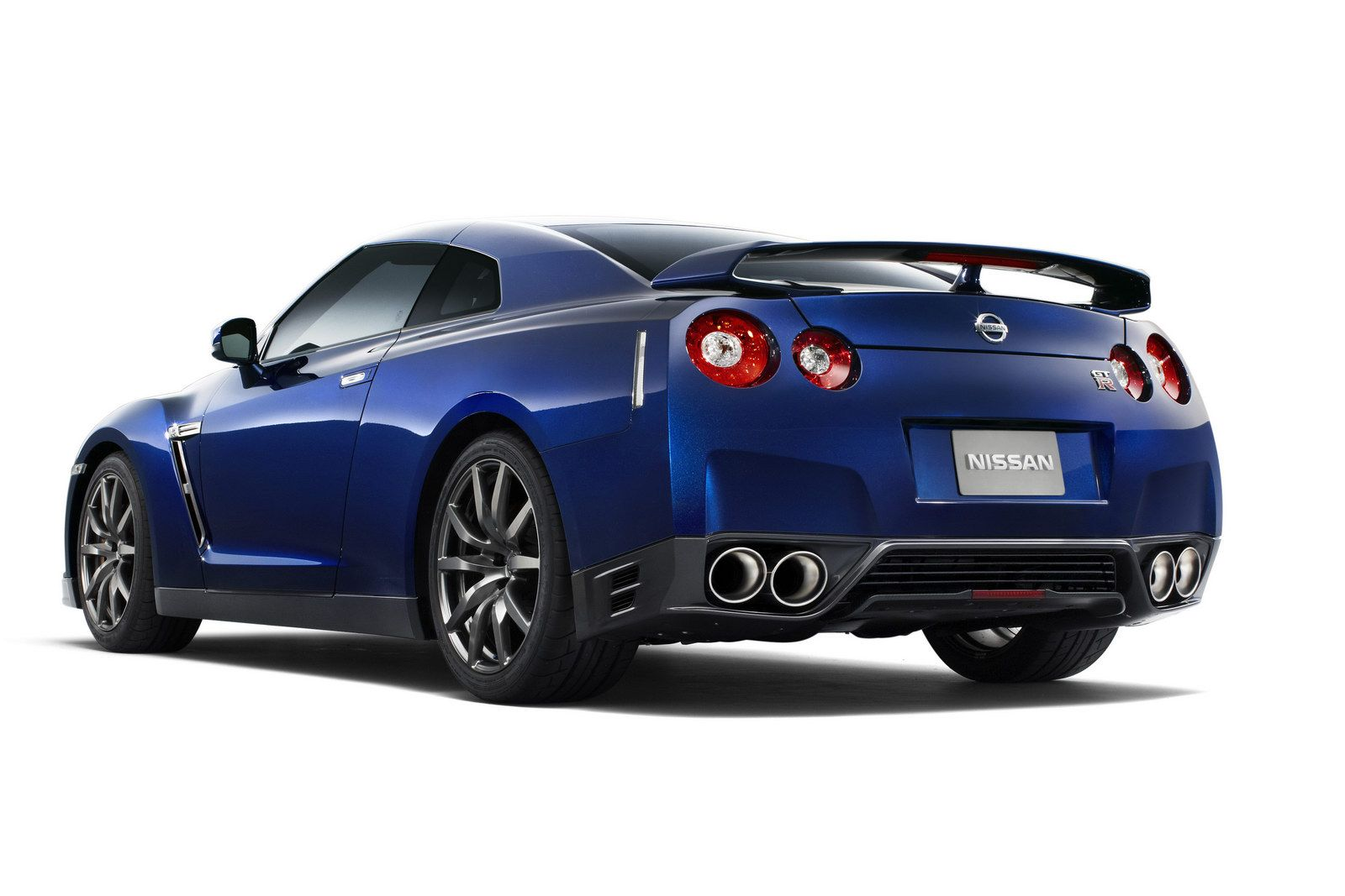 2013 gtr 2013 nissan gt r 5 nissan hikes 2013 gt rs price by how