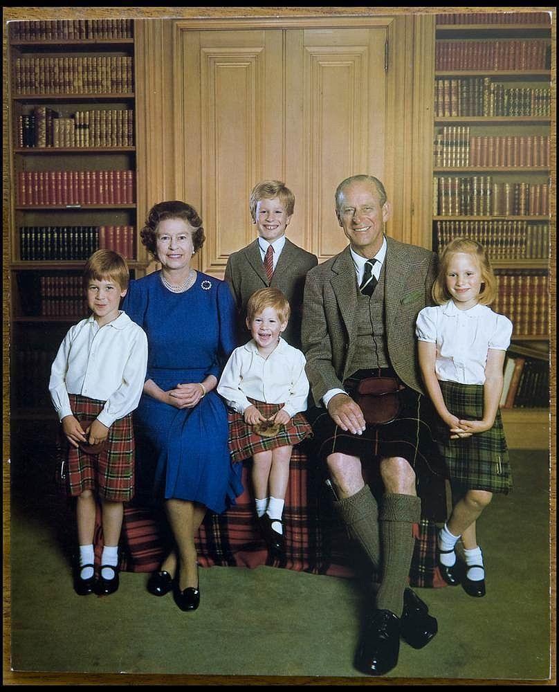 28 Reasons We Love Royal Christmas Cards   Prince harry, Royals ...