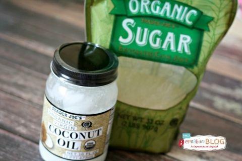 Coconut Oil Sugar Scrub | TodaysCreativeBlog.net