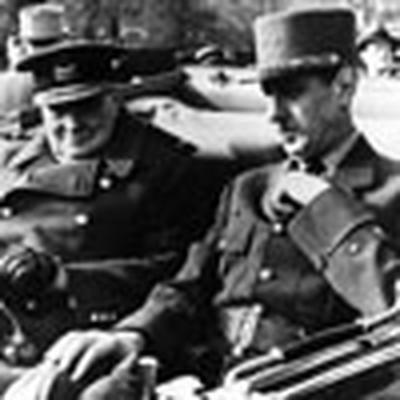 Le Général Charles de Gaulle et Winston Churchill côte à côte.