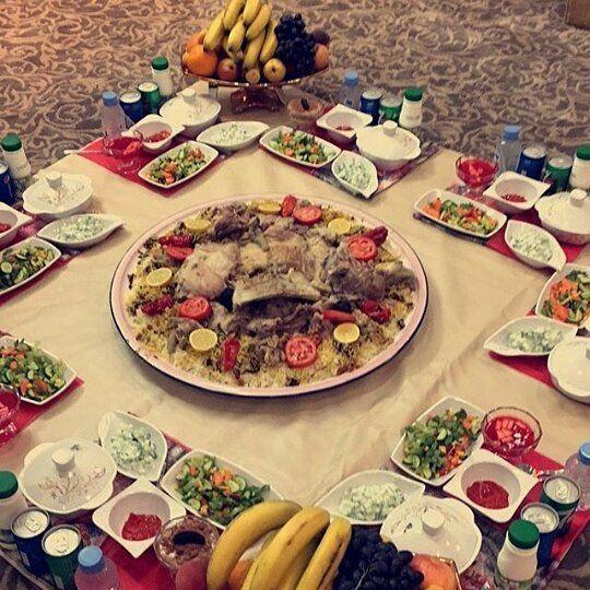 Kbste F Suod503 حياكم الله في سناابي نوروني جعل كل من حطت لايك وكتبت تعليق طيب ربي يحقق لها ما تتمنى ويبشرها ببشارة من فرحتها Table Settings Table Eid