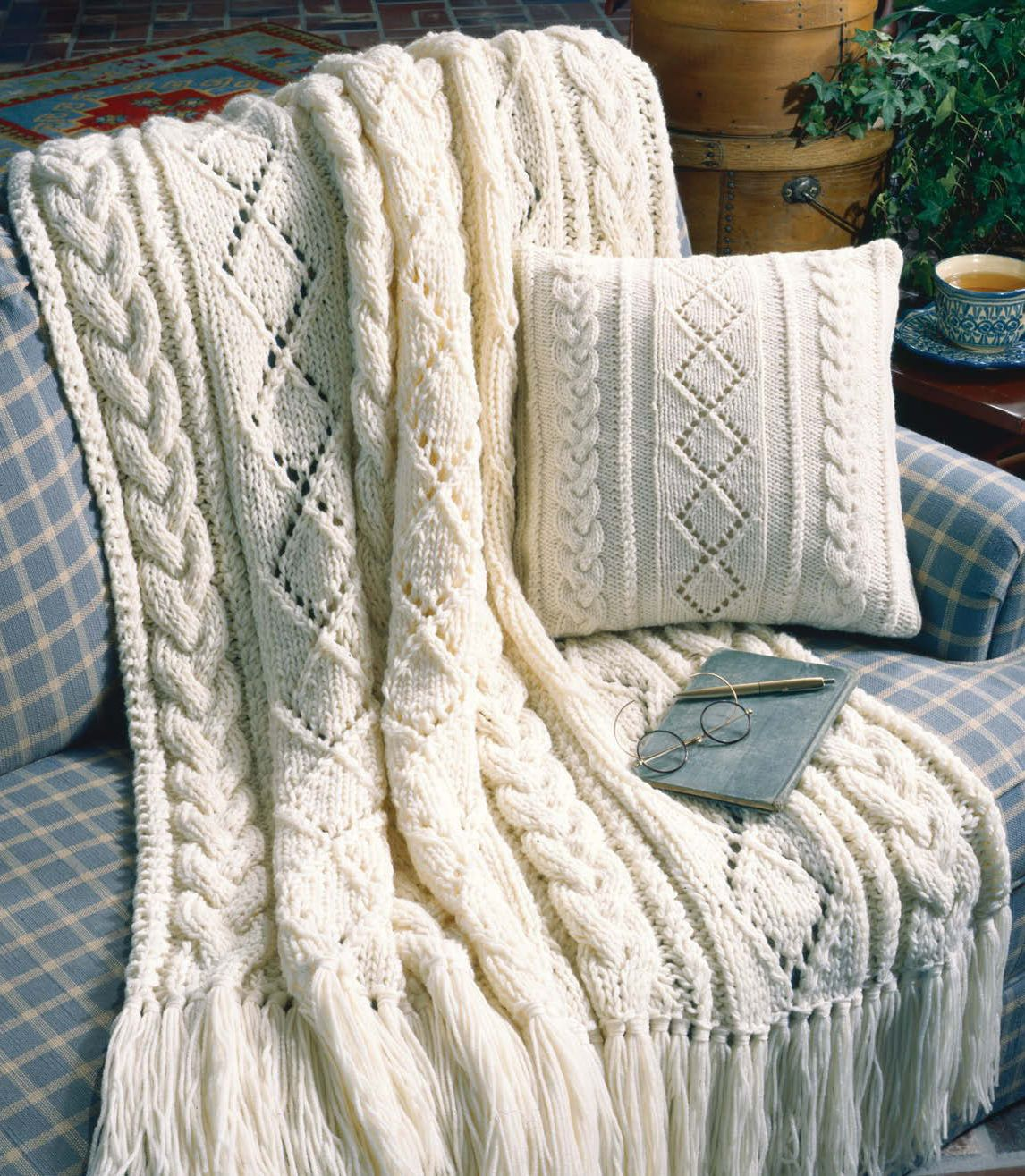 Limited Time Free Knitting Pattern Ad This Cables And Diamonds Afghan And Pillow Set Knitting Patter Kissen Stricken Decke Stricken Muster Zopfmuster Decken