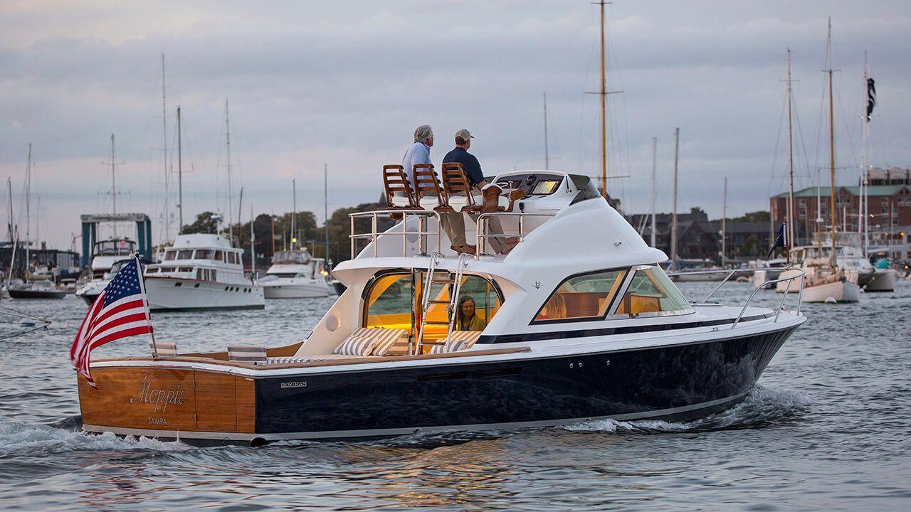 Location D Un Maxi Catamaran De Beaulieu A Nice Catamaran