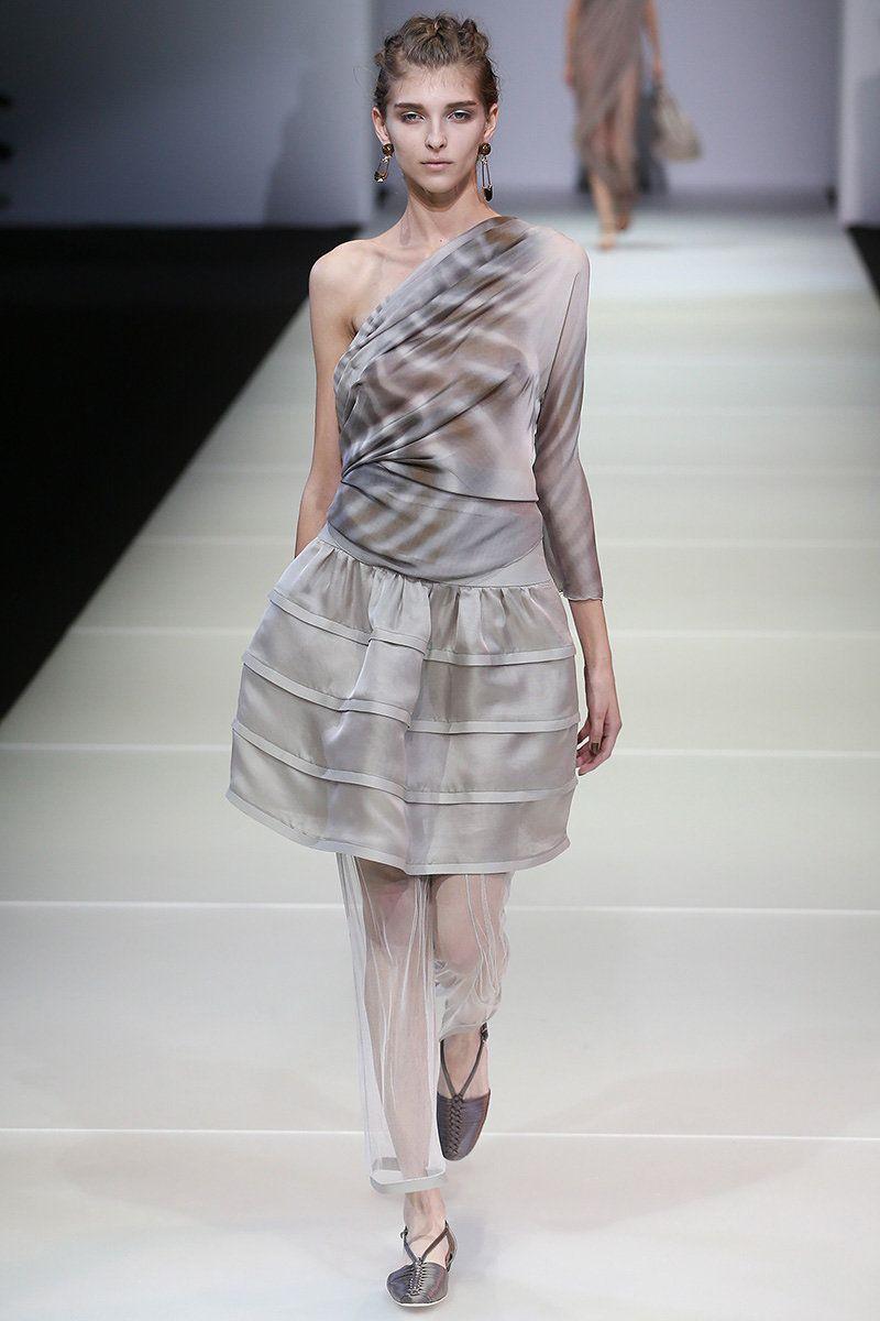 Giorgio Armani Spring 2015 RTW - Runway - Vogue