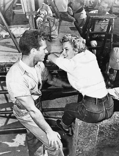ad7e64d18fd1 Marilyn Monroe in 1952 s Clash By Night