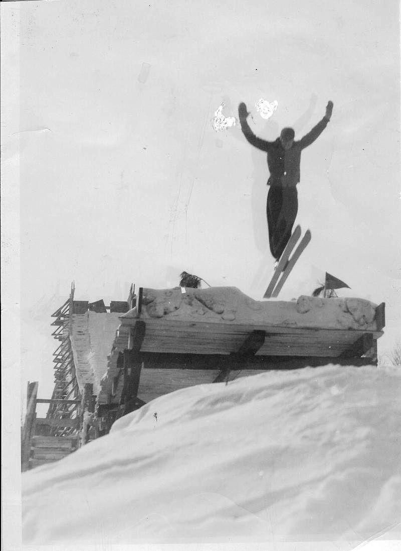 Ski Jumping At Maple Hill Park In Bob Dylan S Hometown Of Hibbing Minnesota In The Mesabi Iron Range West Of Lake Superior 1 Ski Jumping Skiing Vintage Ski