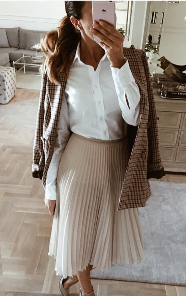 "Картинки по запросу ""beige pleated skirt white shirt"""