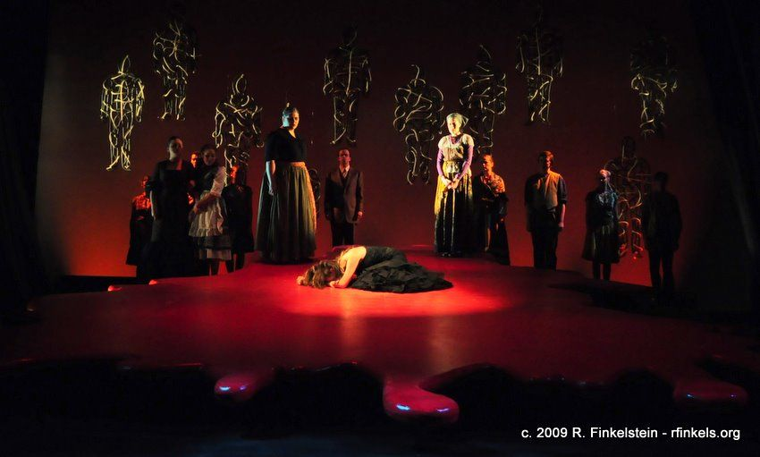 blood wedding Garcia lorca - blood wedding (bodas de sangre) act iii in a new freely downloadable and replicable english translation.