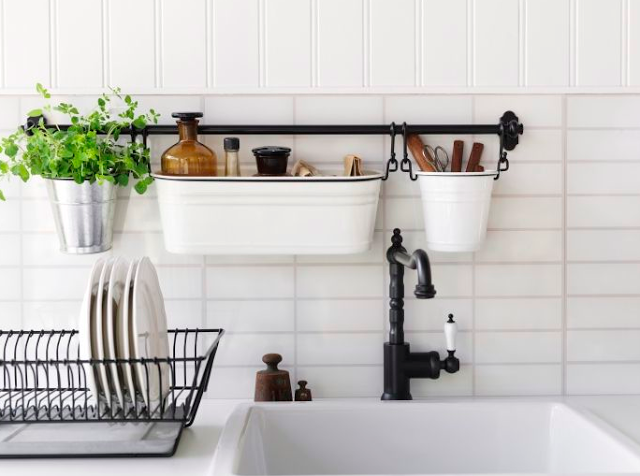 Best organizing blogs for 2017 | This gorgeous kitchen belongs to Tasha from Designer Trapped in a Lawyer's Body | Click the link for the full list of favorite organizing blogs: http://organizedcharm.blogspot.com/2017/07/best-organizing-blogs-2017.html #organizing #decluttering