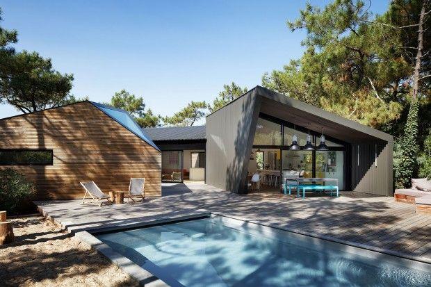 Cabane au Cap Ferret, maison de vacances avec piscine par Atelier du - plan maison terrain pente